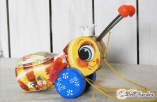 アンティーク雑貨 FISHER PRICE QUEEN BUZZY BEE